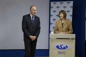 Deputy Chief of Mission of the Embassy, Charge' d'affairs' (CDA) of America Elizabeth H. Rood visited IBSU