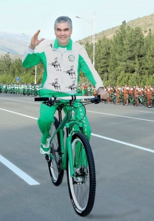 The President of Turkmenistan participates in cycling ride on occasion of the World Health Day